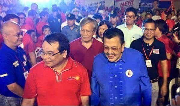 Manila Mayor Joseph Ejercito Estrada with members of the Makabayan bloc
